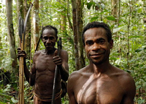 Hunter-gatherer use their mouths more as tools than modern human.
